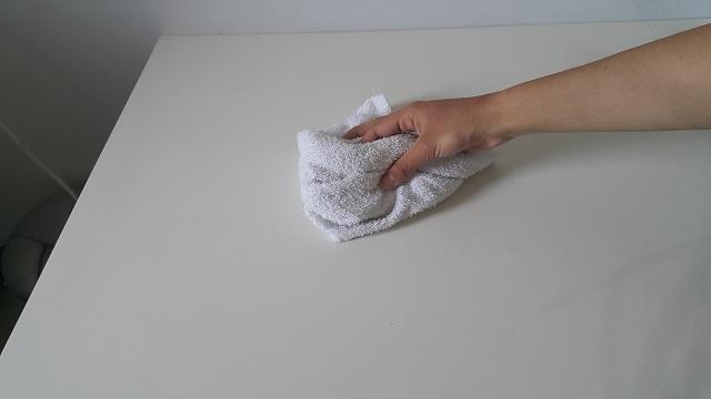 laminant-masa-veya-tezgah-temizligi-adim3