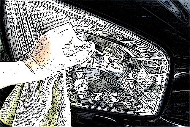 arabadan-yapisan-sinek-recine-ve-zift-lekesi-nasil-cikar-adim2