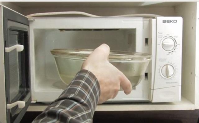mikrodalga-firin-nasil-temizlenir-adim2